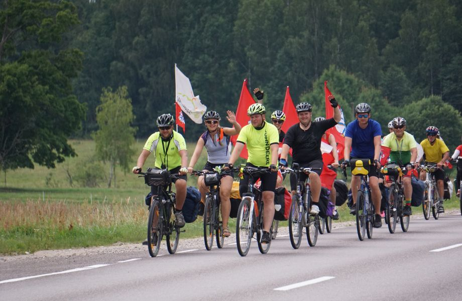 LT-100: Dviračiais aplink Lietuvą